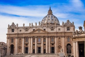Tour St. Peter's Basilica inside the Vatican City in Rome, Italy - Sacred Tour of Italy