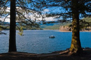 Mount Shasta and Lake Siskiyou - Mount Shasta Spiritual Retreat